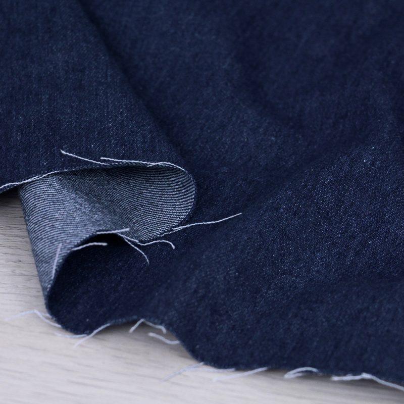 Tessuto denim blu scuro
