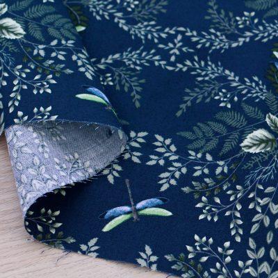 Tessuto in cotone Gütermann Natural Beauty con libellule e fondo blu