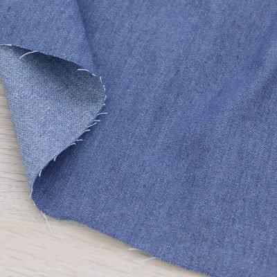 Tessuto denim blu medio leggero