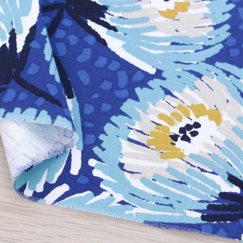 Canvas di cotone a fiori e fondo blu