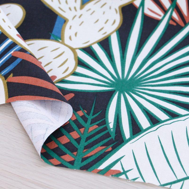 Canvas di cotone con stampa tropicale