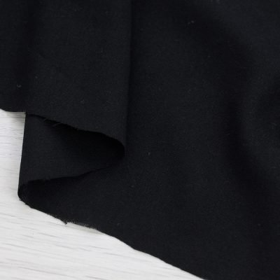 Tessuto in viscosa tinta unita nero