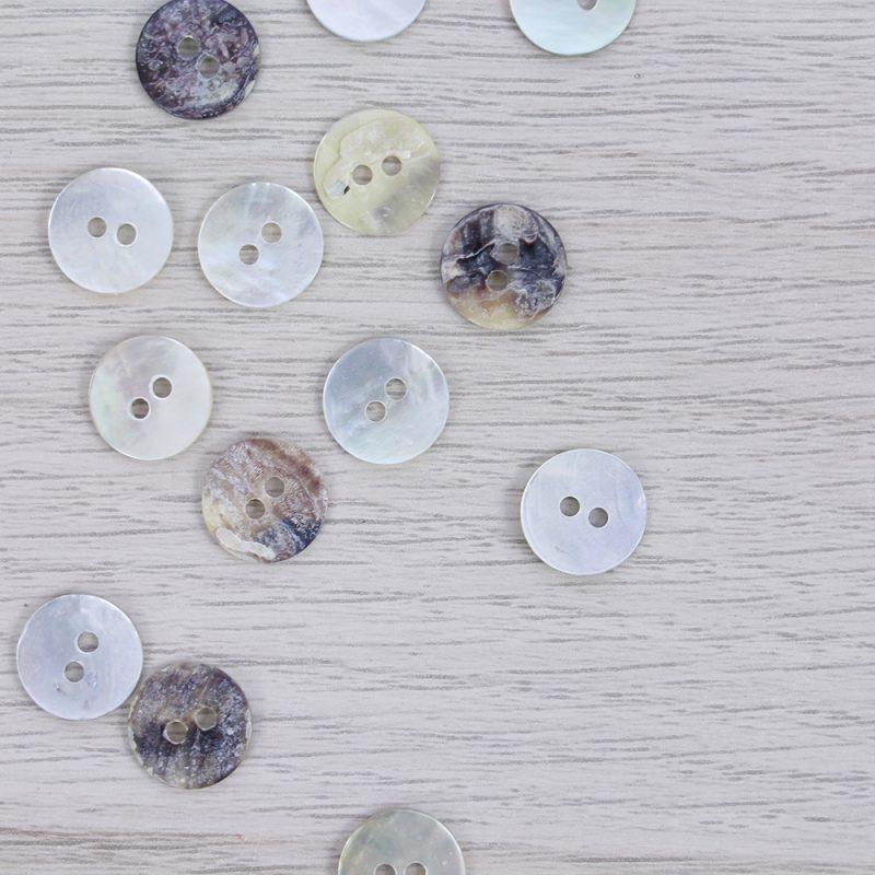 Bottone in madreperla 11 mm Union Knopf by Prym
